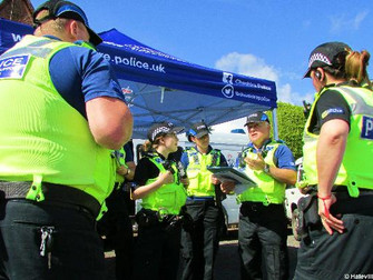 Widnes & Cheshire Police StreetSafe Event Comes To Hale