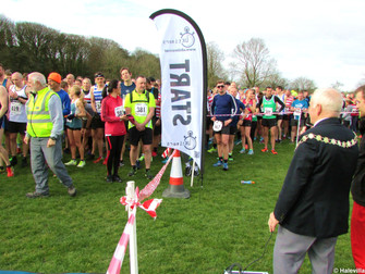 Over 500 Runners Take Part In The Hale Village 5 Mile Easter Road Race