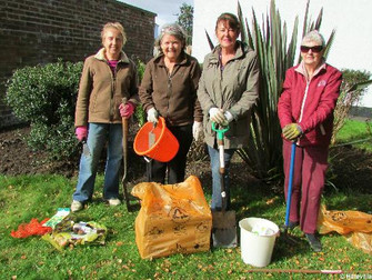 Green Fingered Villagers Come Together To Improve Their Neighbourhood On The Curlender