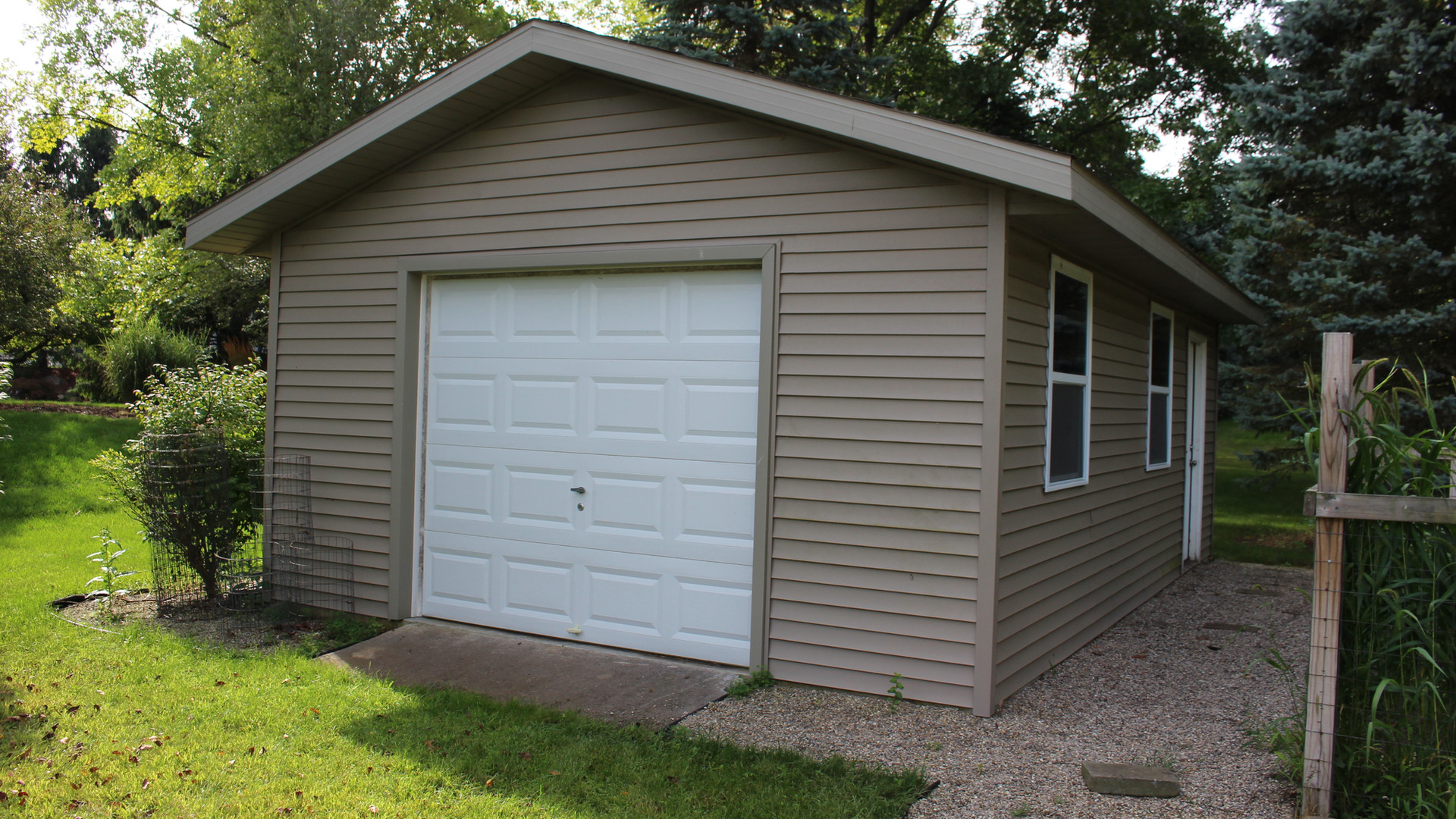 Garage built by EB Companies