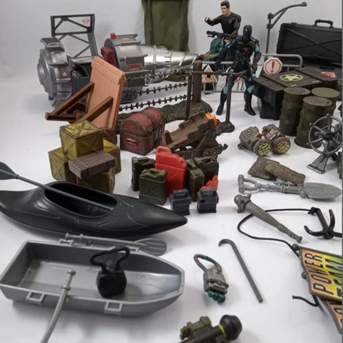 Bonecos E Acessórios Militar E De Guerra Com 90 Peças