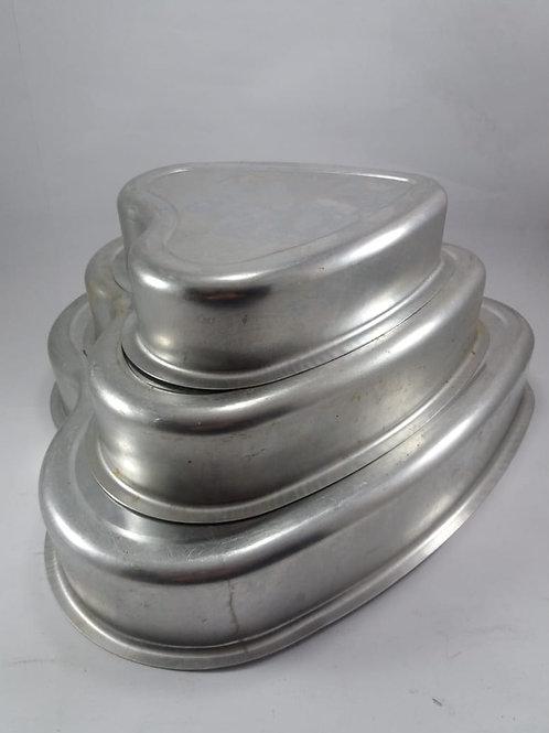 Jogo De Assadeiras Formas Bolo Coração Alumínio 3 peças