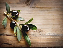 Olives%252520on%252520Wood%252520Backgro
