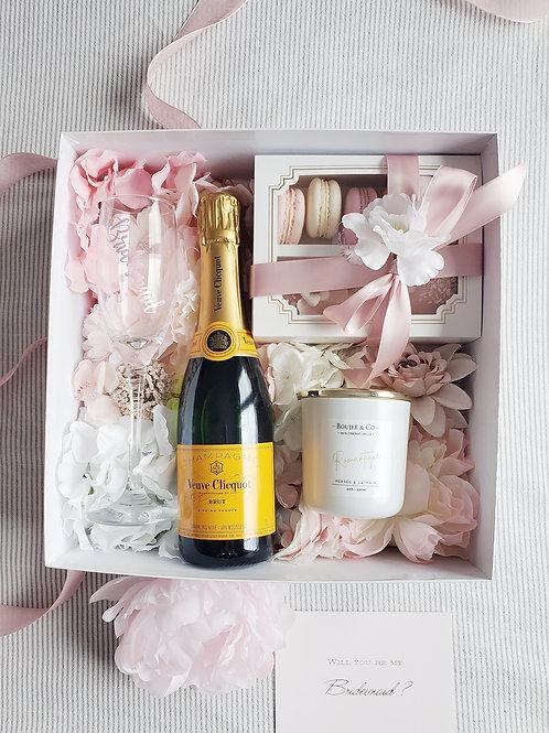 D Bridesmaid Box ( option wine bottle available)
