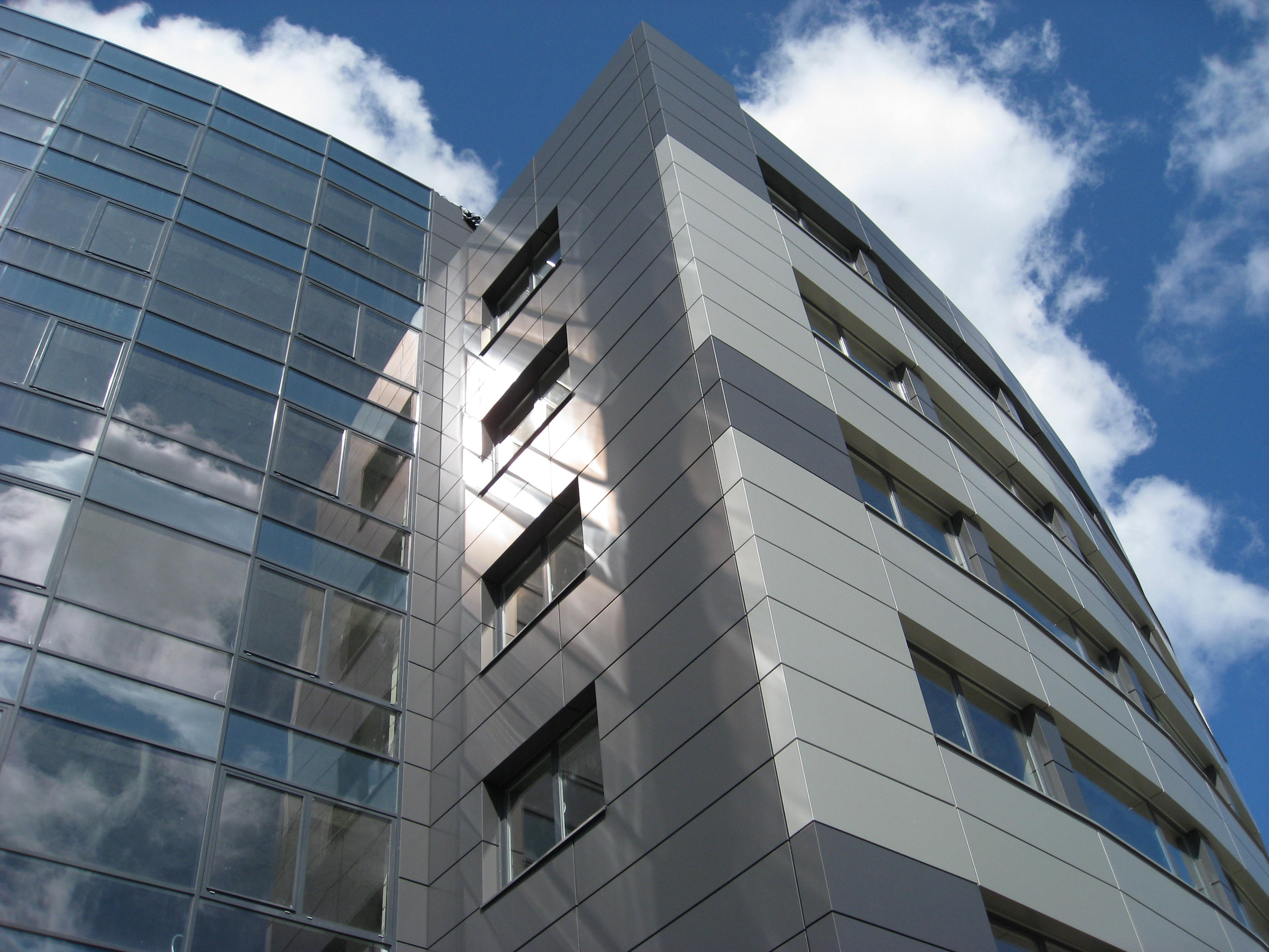 Aluminum Cladding & Curtain Wall