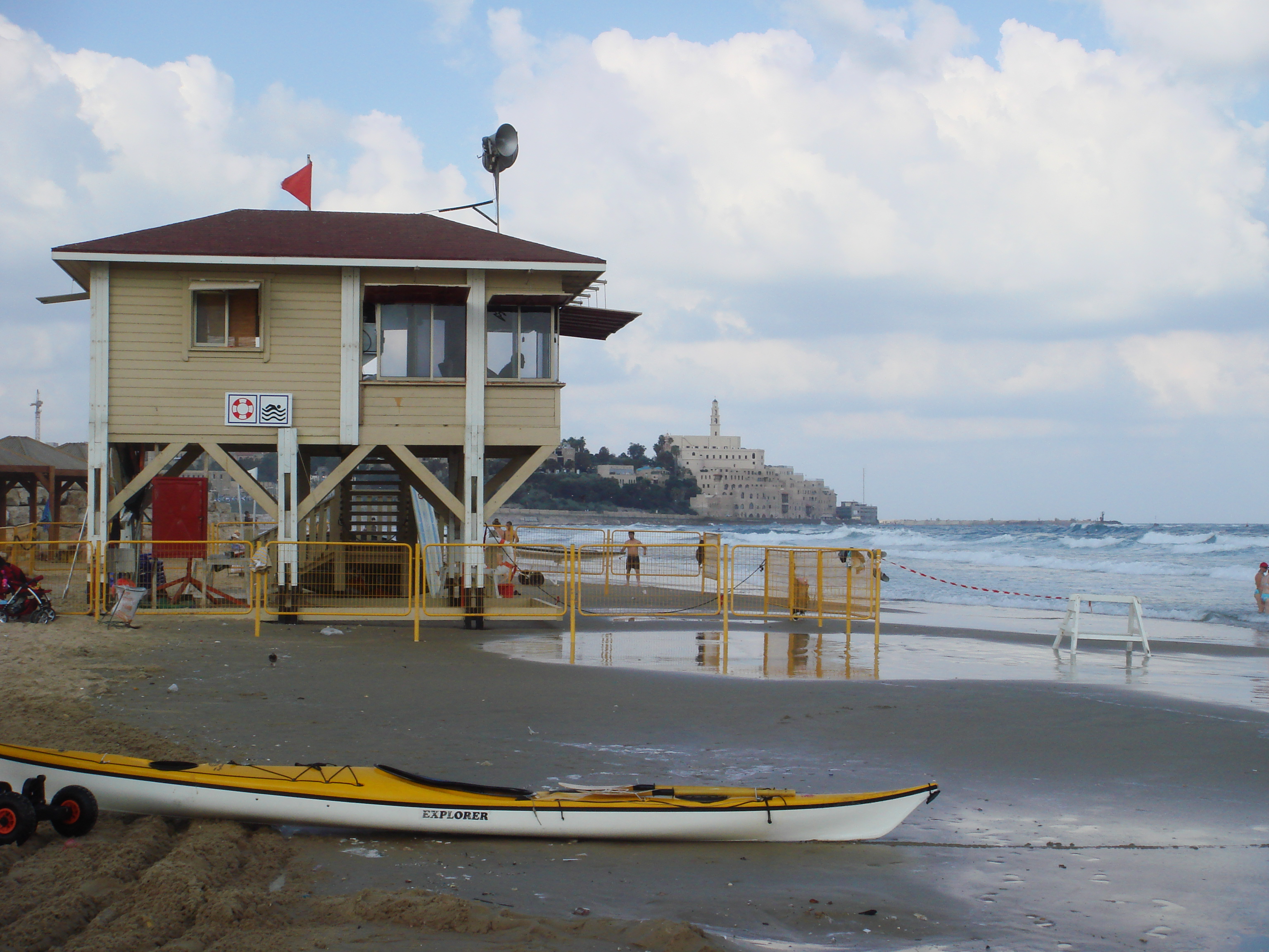 Tel Aviv seaside, lifeguard station