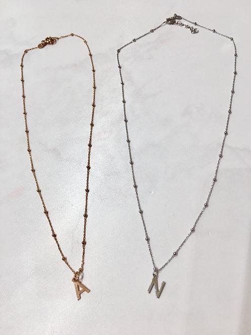 Collana iniziale stampatello micro rosario