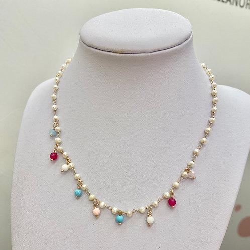 Collana a girocollo incatenato perle e perline