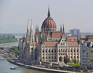 budapest-1309423_1920.jpg