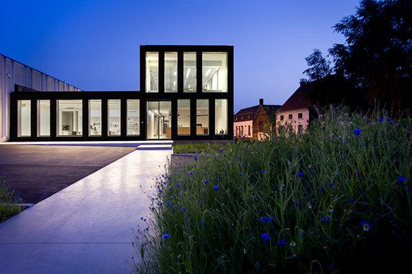 LED lab - Bekina - Kluisbergen - 2013 - Auteursrecht Valerie Clarysse -12.jpg
