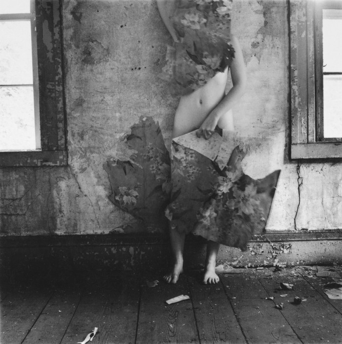 francesca-woodman-space-2-providence-1977-700x704