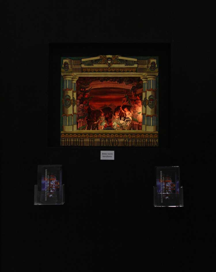 Die Vorderansichts unseres Exponats. Die Wolfsschlucht aus Carl Maria von Webers Oper Der Freischütz inkl. zweiminütiger Lichtshow in Dauerschleife.