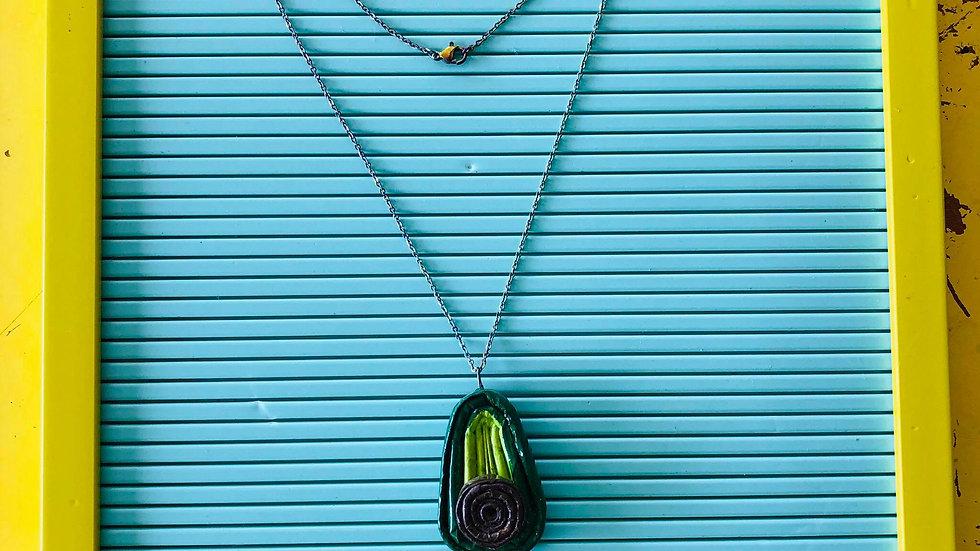 Collar Aguacate / Material Reciclado