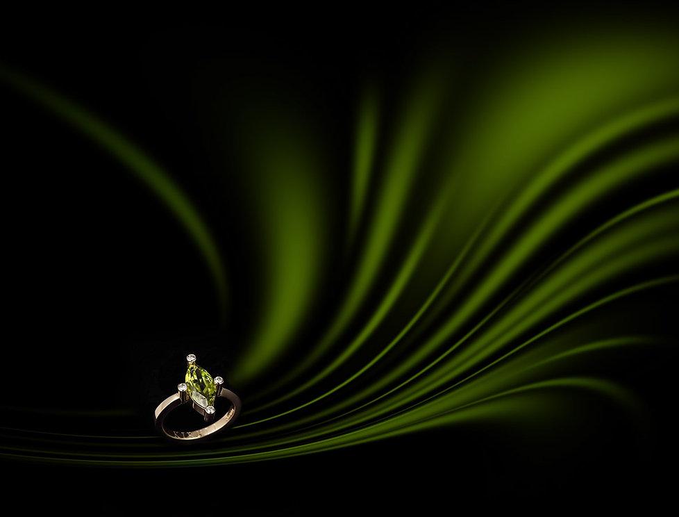 Smykkefotografering Gullring med Peridot