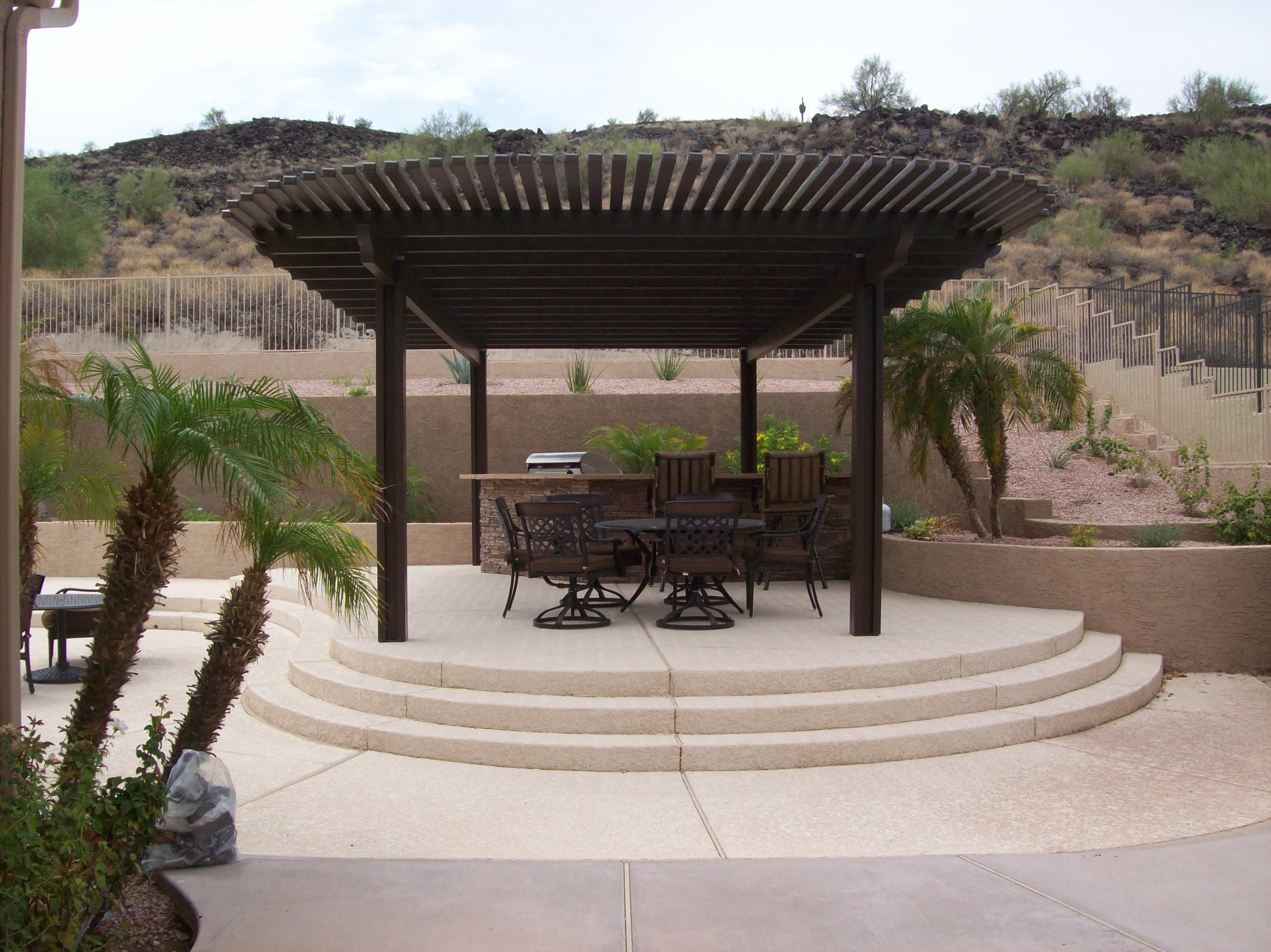 Lattice Patio Cover with Curve