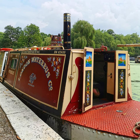 Taking a canal boat from Little Venice to Camden Town
