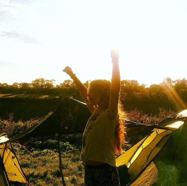 Kiki #wildandfreechildren camping in the woods