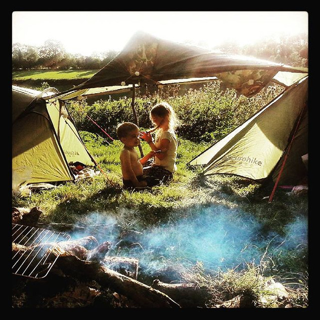 Our makeshift camp - I'm so happy Lee knows what he's doing! #camping #wildandfreechildren