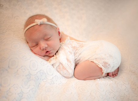 Newborn Baby Photographer Woking | Bracknell | Windsor | Crowthorne | Staines | Middlesex | Surrey