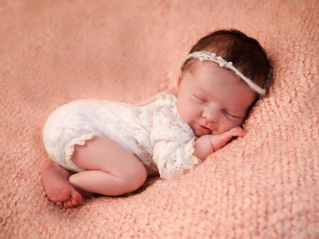 Newborn & Baby Photographer Basingstoke | Uxbridge | Guildford | Reading | Woking | Surrey
