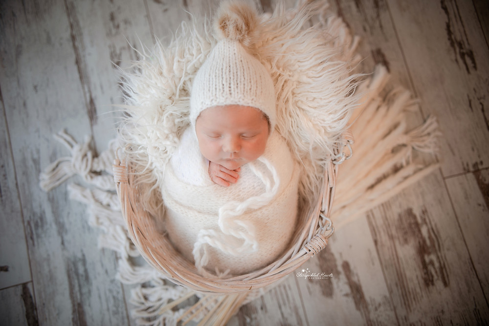 newborn and baby photographer hampshire surrey berkshire