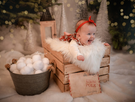 Christmas Mini Sessions in Hampshire   Berkshire   Surrey   Starspeckled Hearts Photography