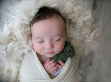 Baby Photographer Bracknell | Farnham | Sandhurst | Chertsey | Staines | Weybridge | Slough | Egham