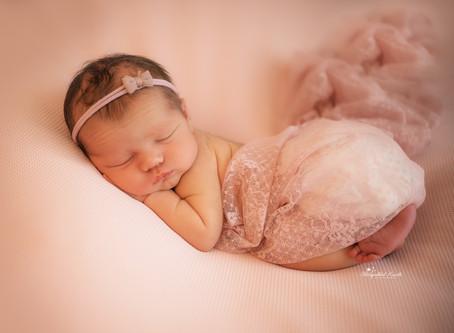 Newborn, Baby & Maternity Photographer Reading | Aldershot | Bracknell | Guildford | Slough | Hook