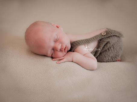 Newborn and Baby Photographer Reading | Camberley | Fleet | Farnham | Bracknell | Surrey | Hampshire