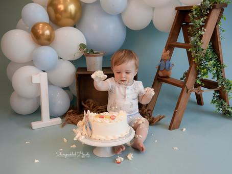 Basingstoke Cake Smash & Splash | Starspeckled Hearts Photography
