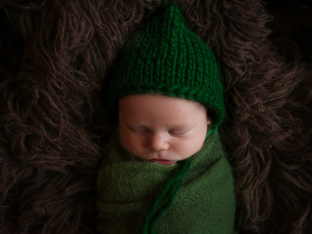 Newborn Photoshoot - Oscar | Egham | Staines | Chertsey | Surrey | Starspeckled Hearts Photography