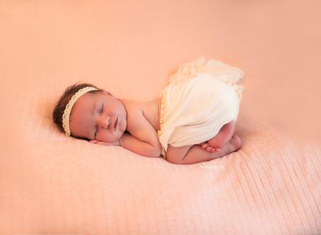 Newborn, Baby & Maternity Photographer Reading | Farnham | Bracknell | Guildford | Slough | Surrey