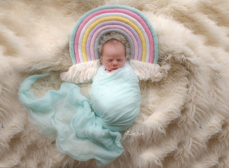 Newborn Baby Photographer Farnham | Woking | Reading | Staines | Pirbright | Alton | Hampshire