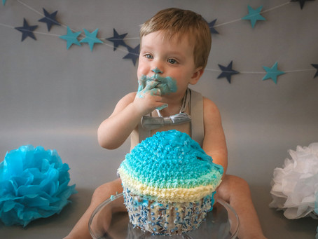 Why Book A Cake Smash Session? | Guildford | Woking | Fleet | Ash | Starspeckled Hearts Photography