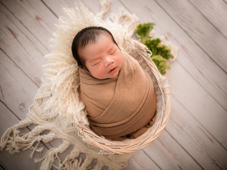 Newborn Baby Photographer Farnham | Woking | Epsom | Camberley | Pirbright | Surrey | Hampshire