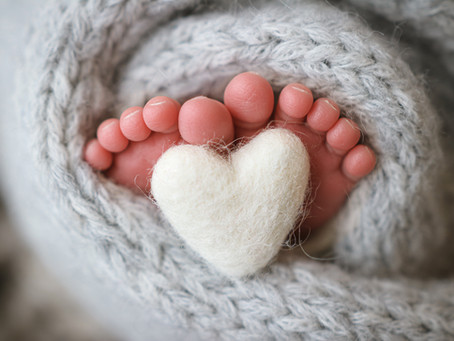 How To Photograph Your Newborn at Home - Starspeckled Hearts Photography | Hampshire | Surrey