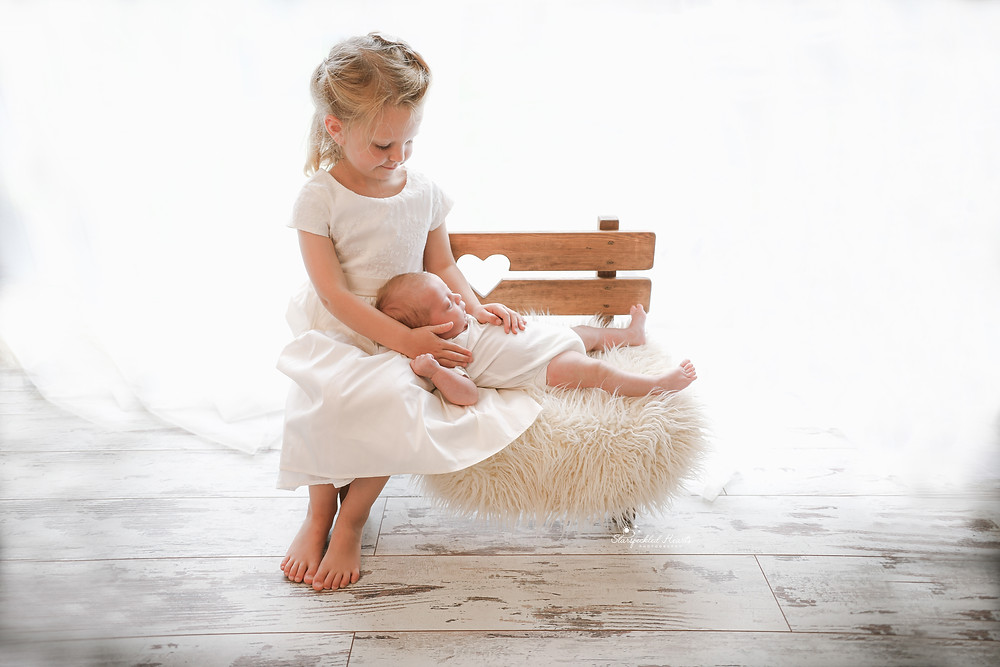 newborn and baby photographer aldershot