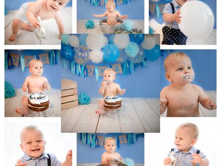 Baby's 1st Birthday Photoshoot | Cake Smash | Surrey | Hampshire | Berkshire | Winchester | Windsor