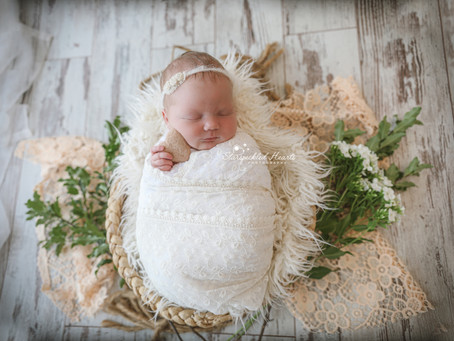 Newborn and Baby Photographer Basingstoke | Hook | Woking | Guildford | Chertsey | Epsom | Weybridge