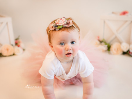 FAQ - What to expect from my Cake Smash Photoshoot? | Hampshire | Starspeckled Hearts Photography