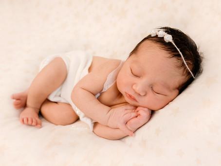 Newborn Baby Photographer Sandhurst Berkshire | Woking | Cobham | Chertsey | Epsom | Hampshire