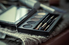 make-up artist's palette and brushes