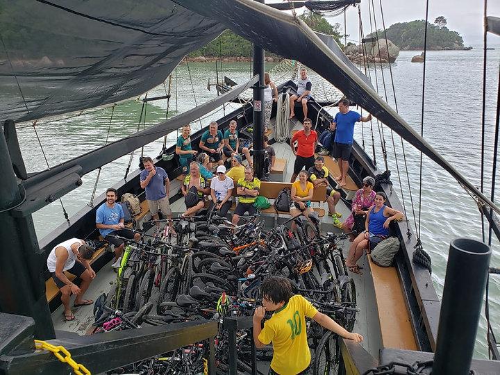 Pedal da Scuna - Baia dos Golfinhos de bike