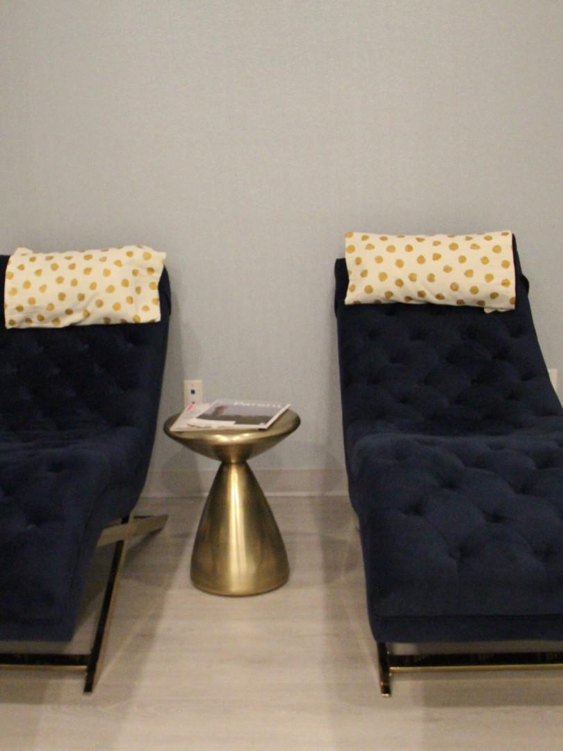 IV Lounge