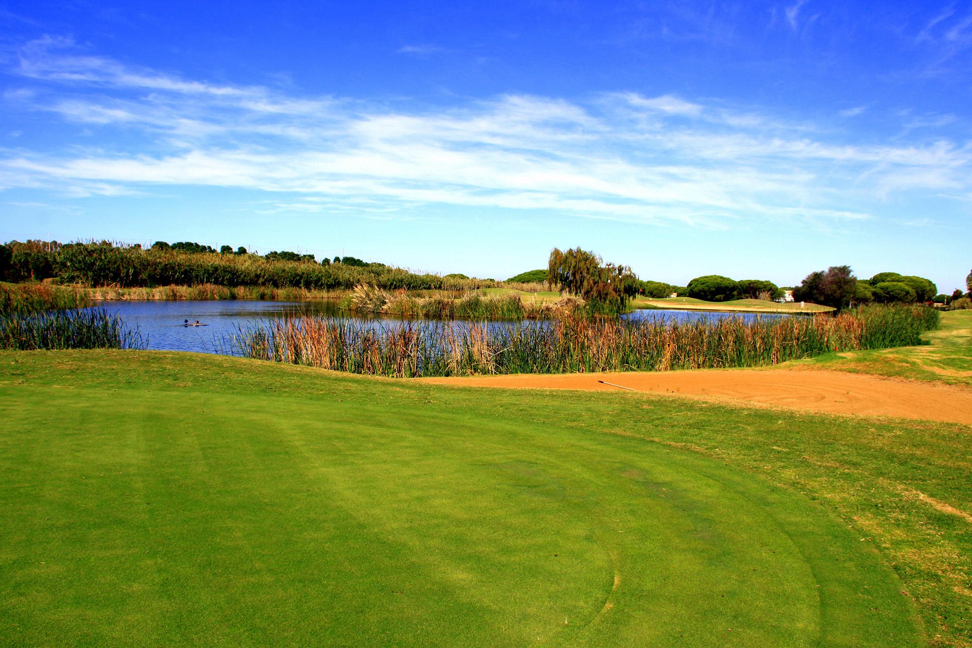 Hoyo 1 Family Golf Park