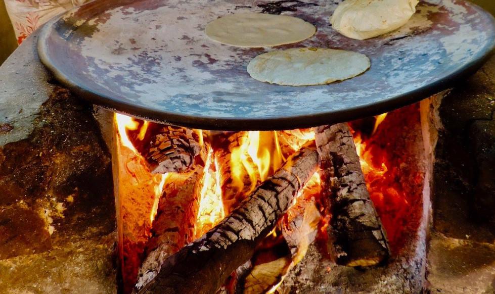 Prueba las delicias de la cocina oaxaqueña, patrimonio inmaterial de la humanidad, y la cocina suiza a manos de nuestra chef.
