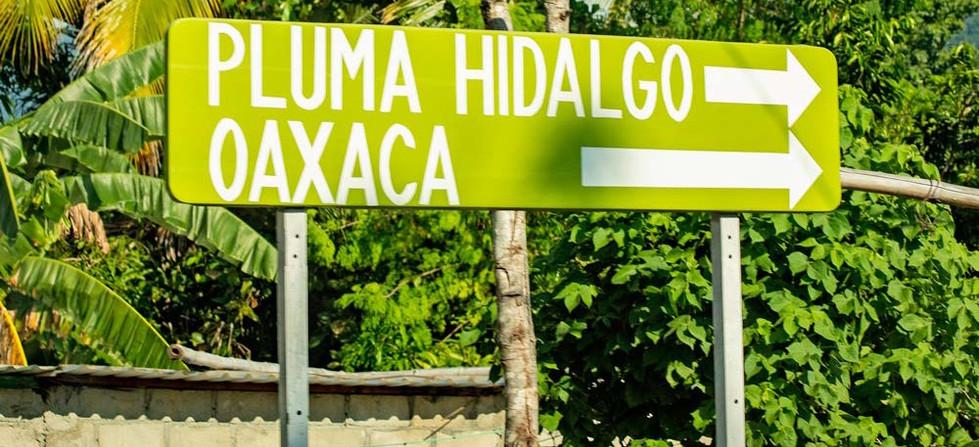 A tan solo  45 minutos del aeropuerto internacional de Bahías de Huatulco y a una hora de sus playas