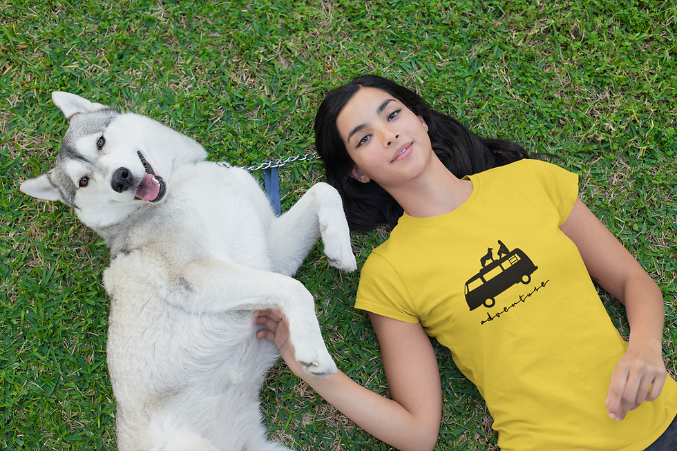 t-shirt-mockup-of-a-woman-lying-on-the-g