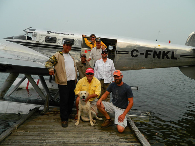 Northwest Fly-In picking up our guests at the dock for a fly-in day trip