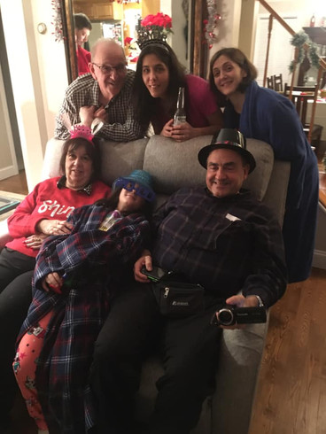 New Year's Eve at our house with our family.    Año Nuevo con nuestra familia en nuestra casa.